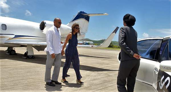 private-jet-concierge-travel-couple